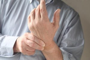 what is carpal tunnel syndrome and what causes it